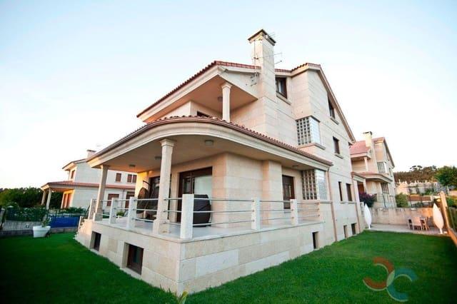 Casa de 6 habitaciones en Sanxenxo en venta con garaje - 595.000 € (Ref: 5302100)