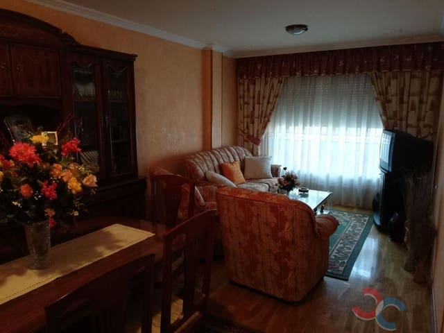 2 bedroom Flat for sale in Ponte-Caldelas with garage - € 100,000 (Ref: 5351927)