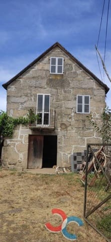 4 bedroom Townhouse for sale in O Porrino - € 75,000 (Ref: 5592988)