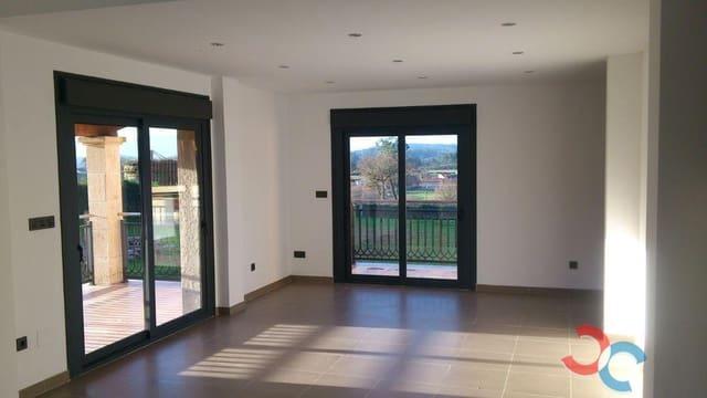 3 bedroom Villa for sale in Morana with garage - € 350,000 (Ref: 5674686)