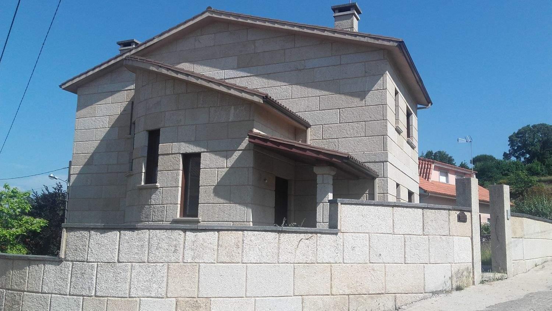 Finca/Casa Rural de 4 habitaciones en Barro en venta con garaje - 230.000 € (Ref: 4023253)