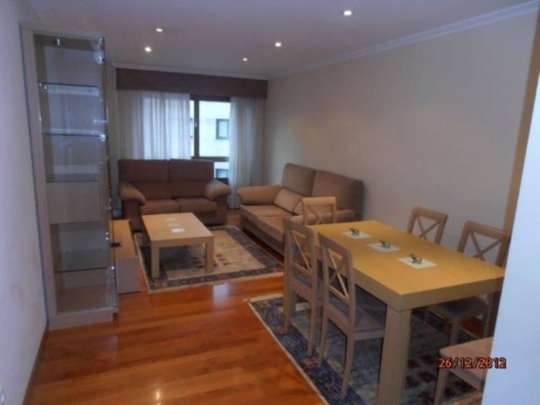 3 soverom Leilighet til leie i Pontevedra by med garasje - € 700 (Ref: 6059052)