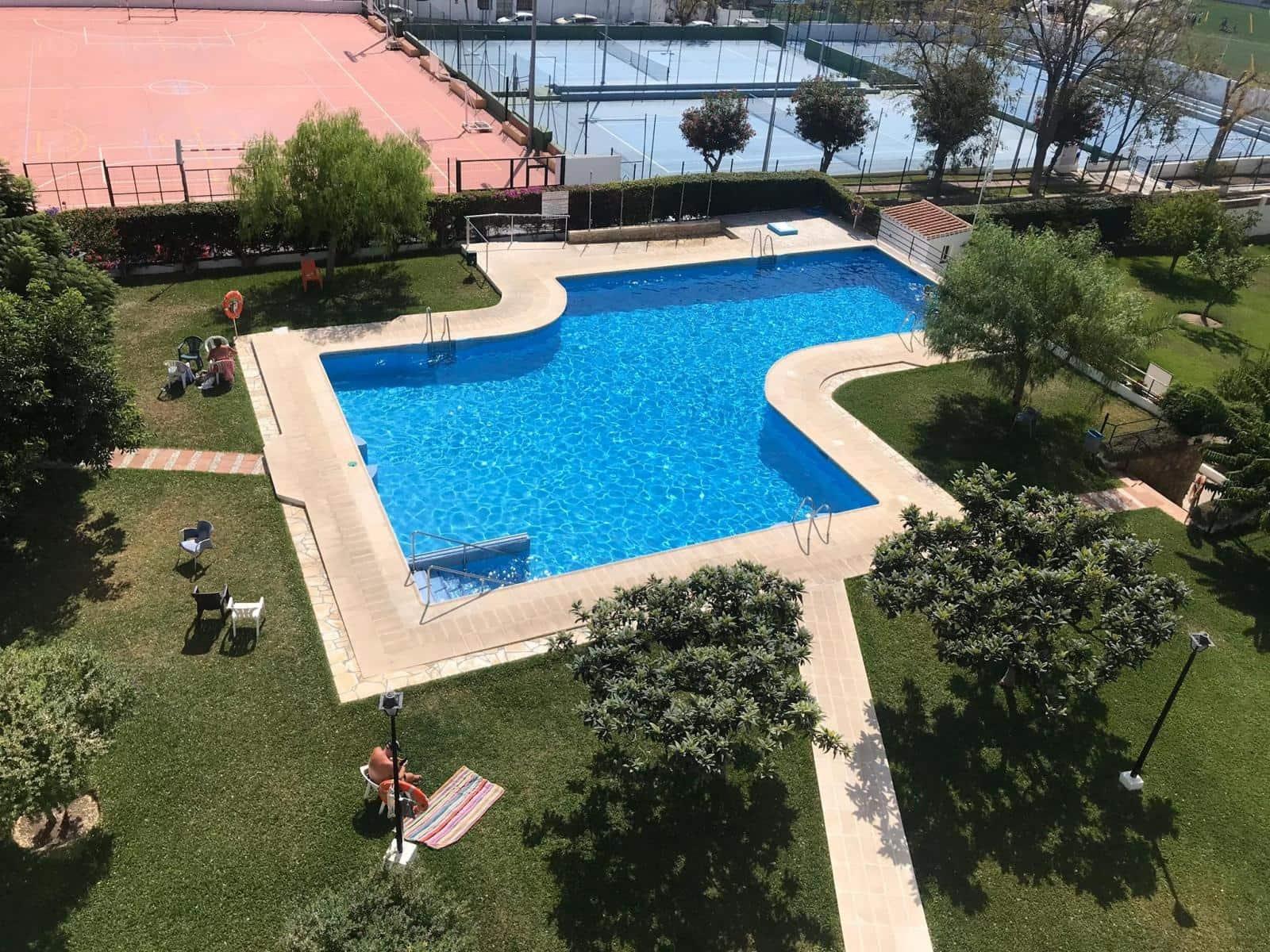 2 slaapkamer Flat te huur in Nerja met zwembad garage - € 750 (Ref: 5274253)