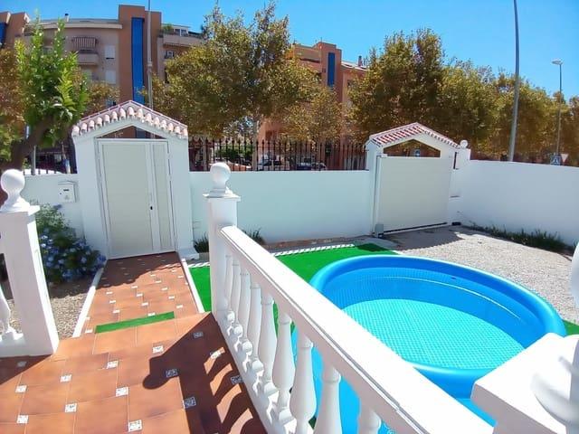 4 slaapkamer Halfvrijstaande villa te huur in Velez-Malaga met garage - € 850 (Ref: 5915417)