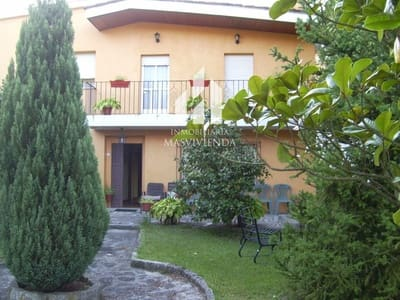 Chalet de 4 habitaciones en Leiro en venta - 180.000 € (Ref: 5036608)