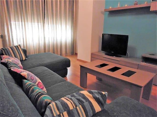 3 bedroom Flat for rent in Castello de la Plana - € 850 (Ref: 5587630)