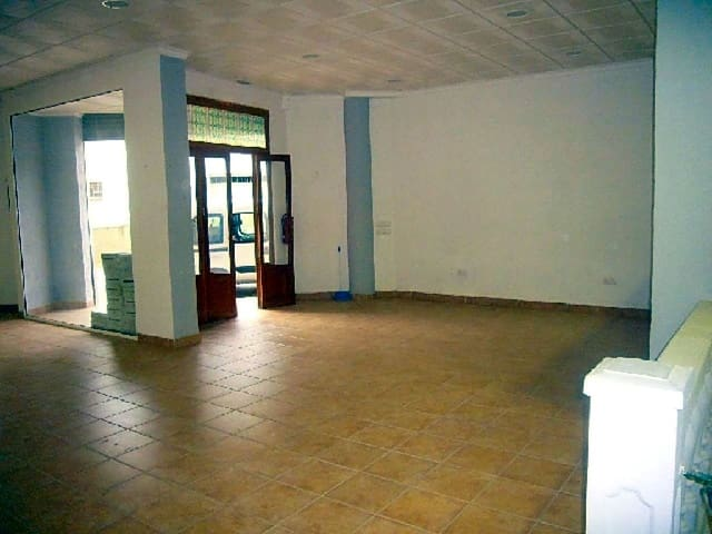 2 bedroom Business for sale in Benicassim - € 120,000 (Ref: 5587658)