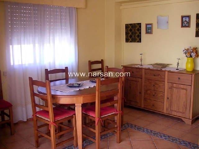 Piso de 3 habitaciones en Benicàssim en venta con piscina garaje - 145.000 € (Ref: 5625833)