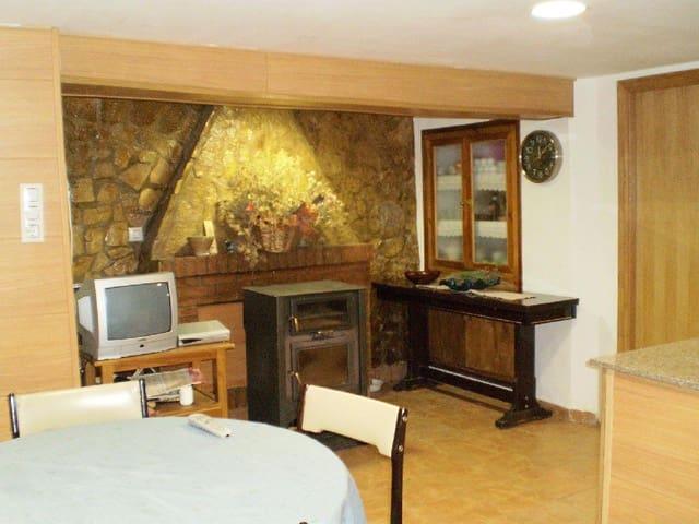 Casa em Banda para venda em La Serra d en Garceran com garagem - 120 000 € (Ref: 4456735)