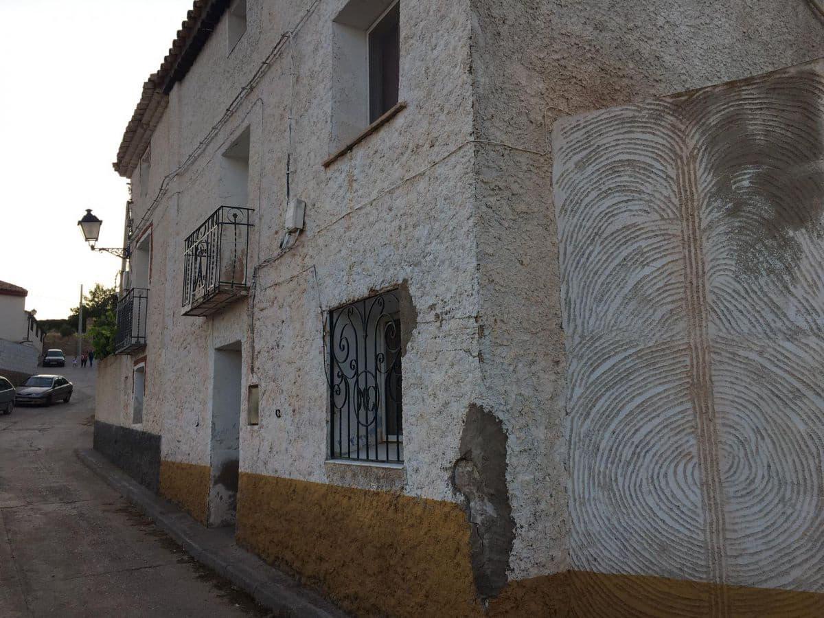6 soveværelse Byhus til salg i Rubielos de la Cerida - € 60.000 (Ref: 4787827)