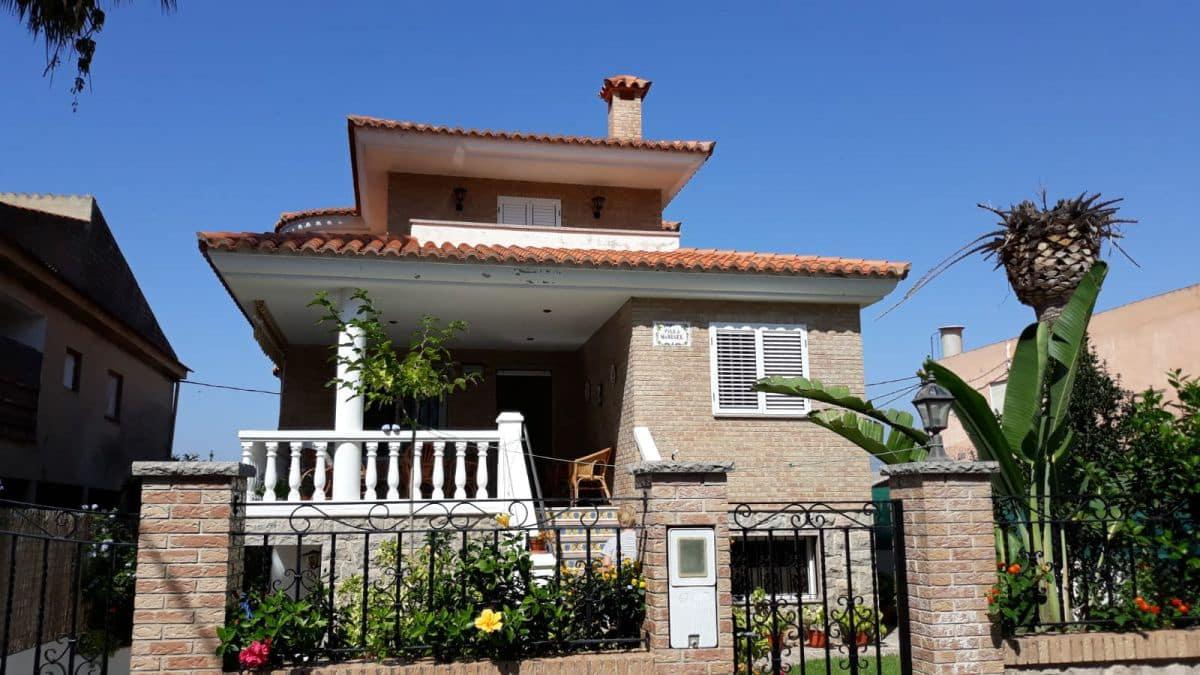 5 quarto Moradia Geminada para venda em Nules - 300 000 € (Ref: 4837297)