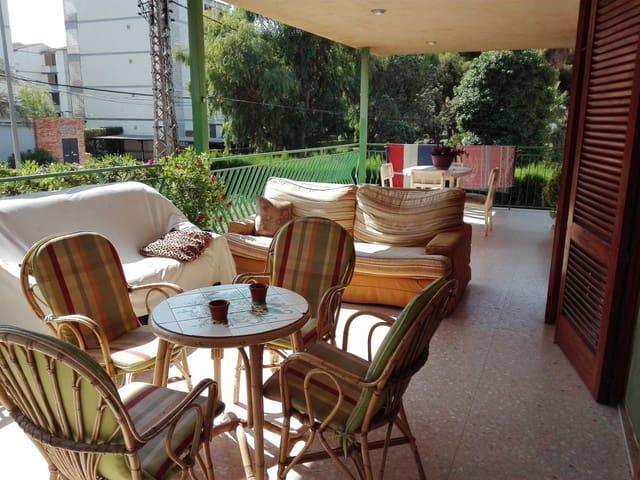 Pareado de 6 habitaciones en Benicàssim en venta - 410.000 € (Ref: 5425678)