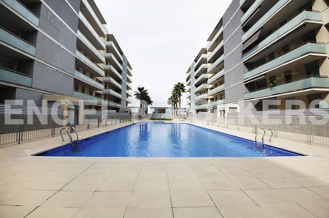 5 sovrum Lägenhet till salu i Badalona med pool - 593 556 € (Ref: 4813781)