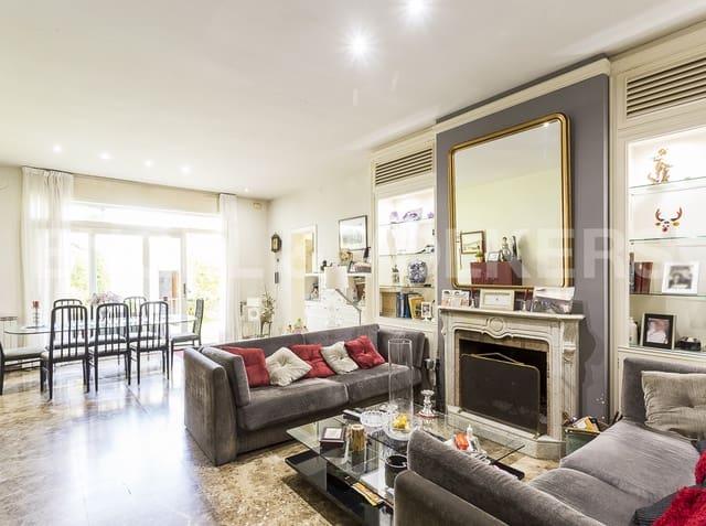 5 sypialnia Dom blizniak na sprzedaż w Badalona z garażem - 1 350 000 € (Ref: 4813956)