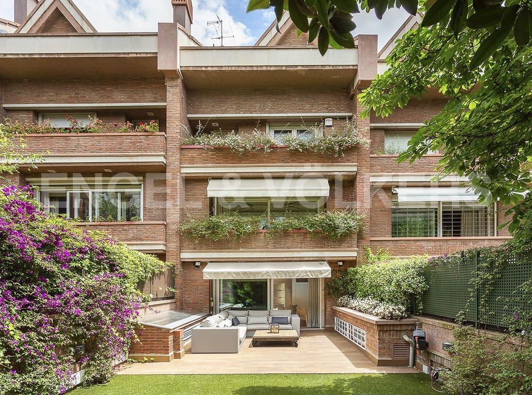 6 bedroom Terraced Villa for sale in Barcelona city with pool garage - € 3,550,000 (Ref: 4813987)