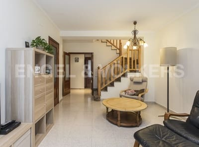 4 bedroom Semi-detached Villa for sale in Cardedeu with garage - € 337,000 (Ref: 4819561)
