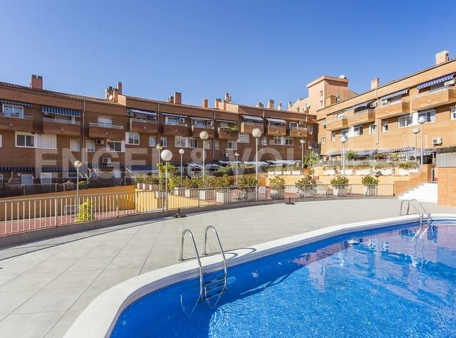 4 slaapkamer Halfvrijstaande villa te koop in Sant Boi de Llobregat met zwembad garage - € 380.000 (Ref: 4883924)