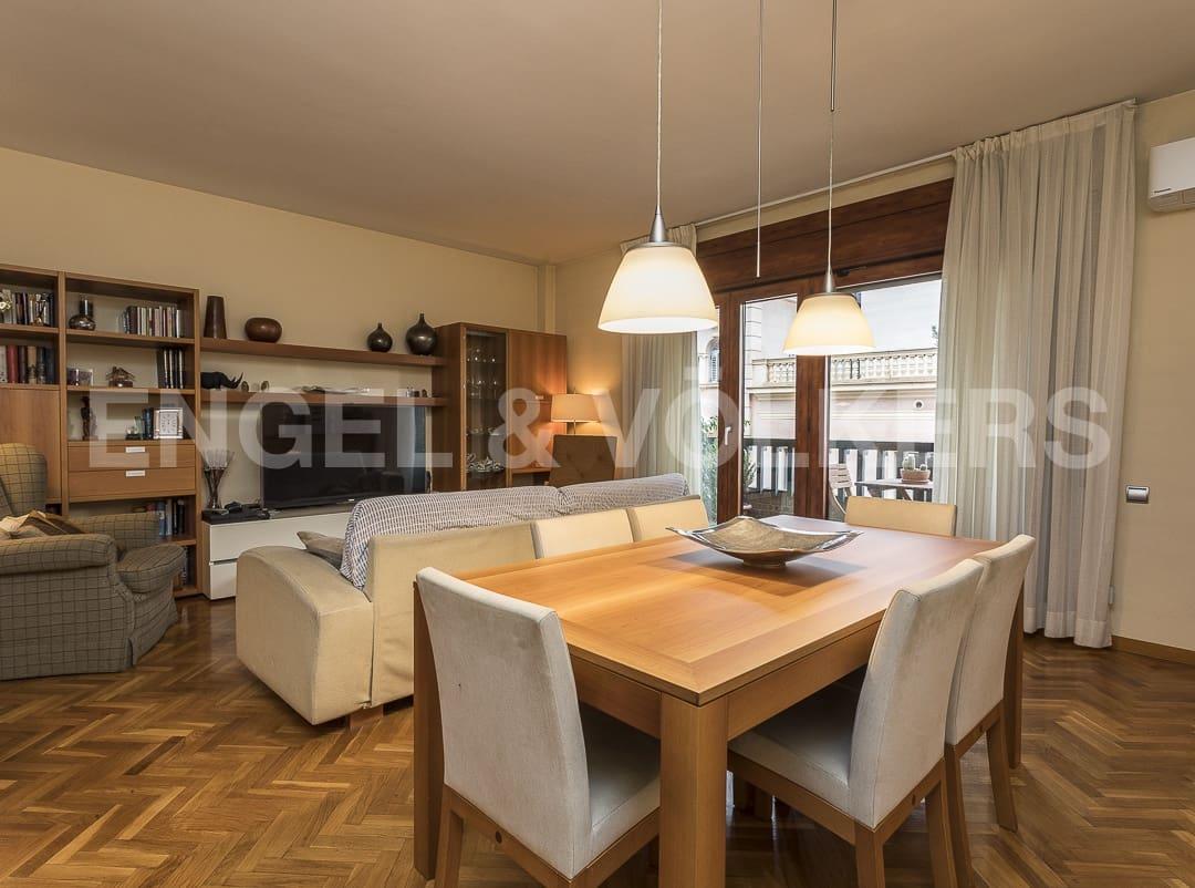 Piso de 5 habitaciones en Sabadell en venta con garaje - 455.000 € (Ref: 4884310)