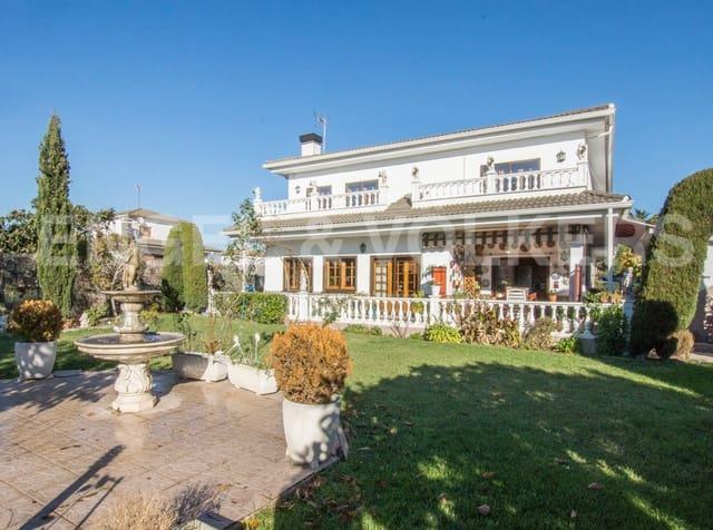 6 chambre Villa/Maison à vendre à Llinars del Valles avec garage - 380 000 € (Ref: 4948668)
