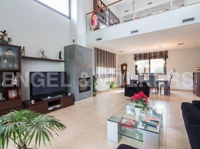 4 bedroom Villa for sale in Cardedeu with pool garage - € 795,000 (Ref: 4948932)