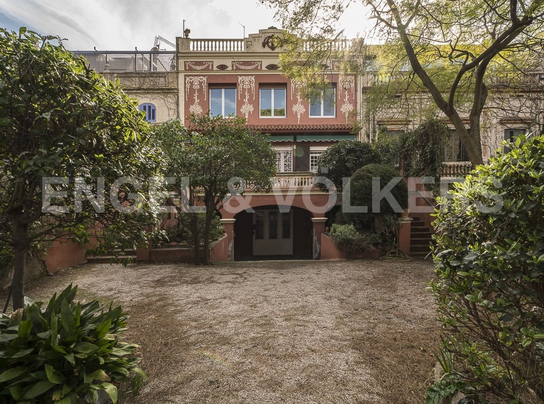 7 bedroom Terraced Villa for sale in Barcelona city with garage - € 3,390,000 (Ref: 4949164)
