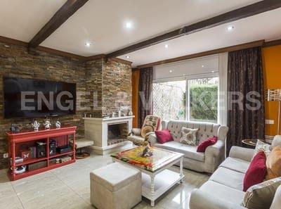 4 Zimmer Doppelhaus zu verkaufen in Sant Boi de Llobregat mit Garage - 625.000 € (Ref: 4955719)
