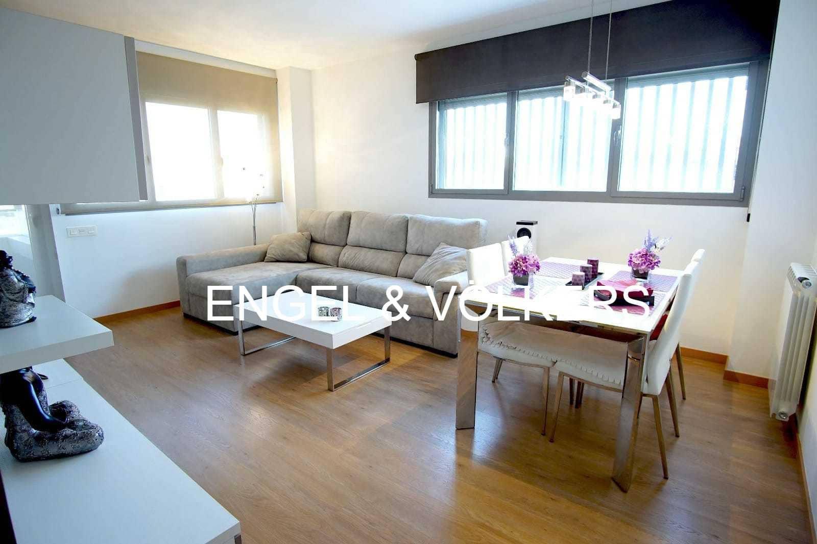 3 slaapkamer Flat te huur in L'Hospitalet de Llobregat met zwembad garage - € 1.400 (Ref: 5086179)