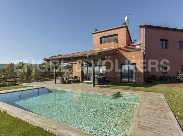 4 sovrum Villa till salu i Avinyo med pool garage - 530 000 € (Ref: 5091571)