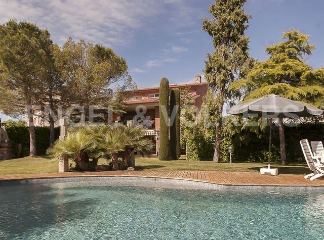 5 soverom Villa til salgs i Artes med svømmebasseng garasje - € 730 000 (Ref: 5133543)
