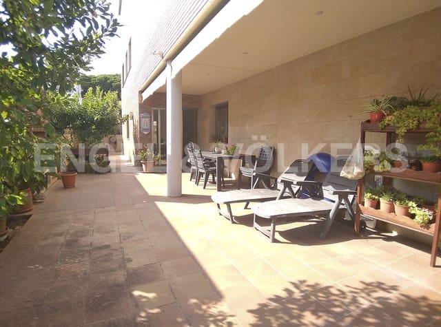5 chambre Villa/Maison à vendre à Viladecans avec piscine garage - 1 050 000 € (Ref: 5138127)