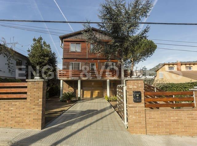 Chalet de 4 habitaciones en Cervelló en venta con piscina garaje - 350.000 € (Ref: 5177778)