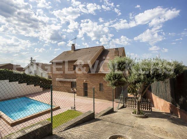 Chalet de 6 habitaciones en Abrera en venta con piscina garaje - 495.000 € (Ref: 5248273)