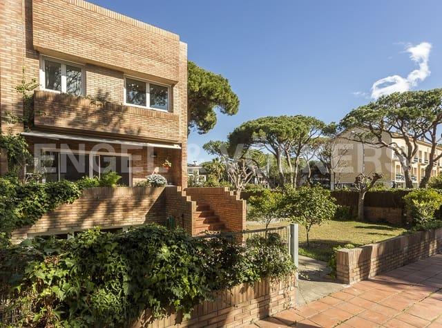 4 slaapkamer Halfvrijstaande villa te huur in Castelldefels met garage - € 8.000 (Ref: 5267666)
