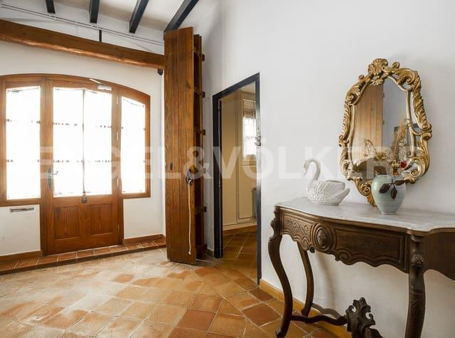 Chalet de 5 habitaciones en Cubelles en venta con garaje - 690.000 € (Ref: 5368700)