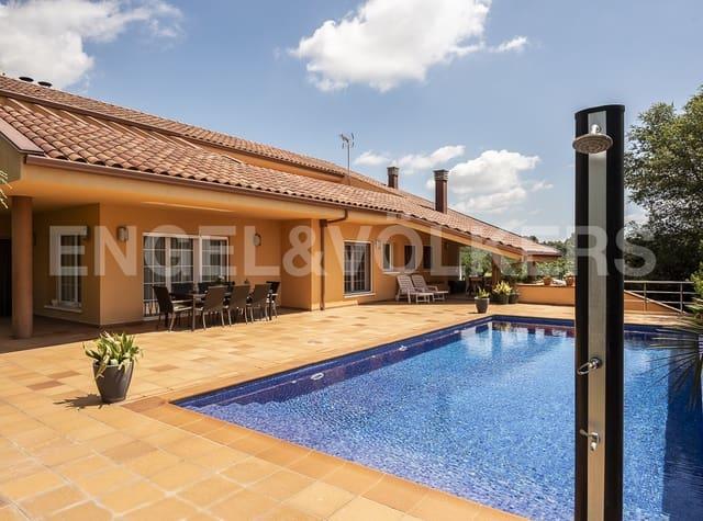 6 chambre Villa/Maison à vendre à Llinars del Valles avec piscine garage - 772 000 € (Ref: 5406163)