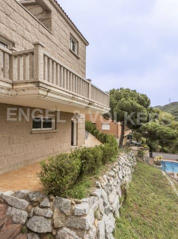 5 slaapkamer Villa te huur in Sant Fost de Campsentelles met garage - € 1.900 (Ref: 5419464)