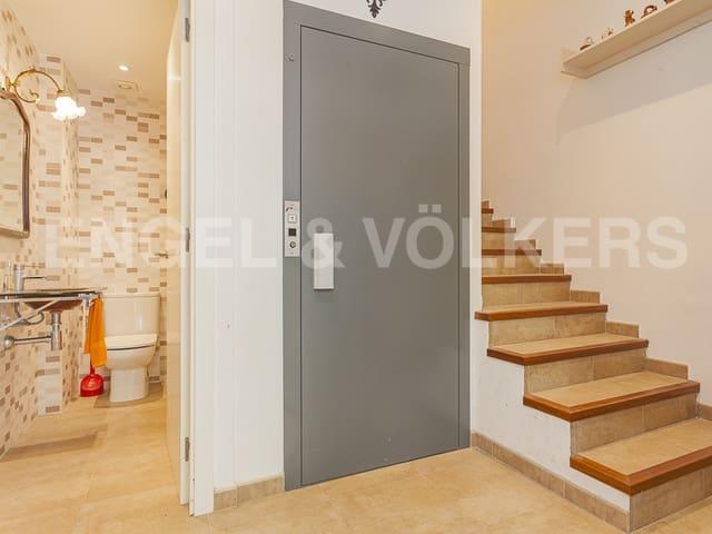 5 sovrum Radhus till salu i Vilanova i la Geltru med garage - 420 000 € (Ref: 5503103)