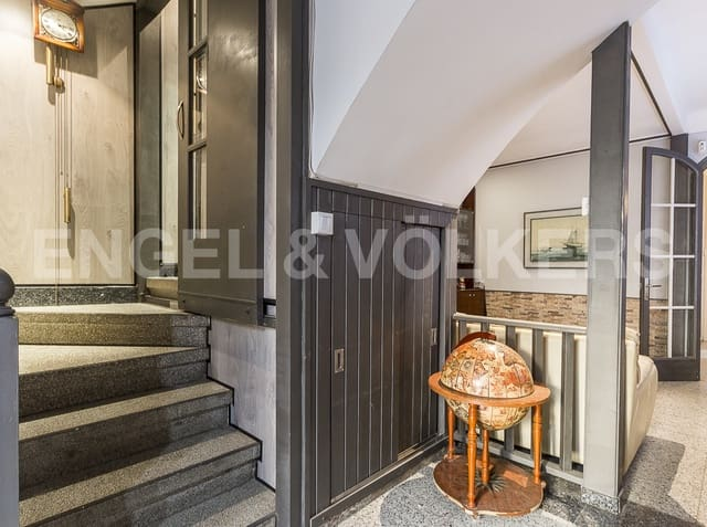 4 sypialnia Dom szeregowy na sprzedaż w Badalona - 475 000 € (Ref: 5560236)