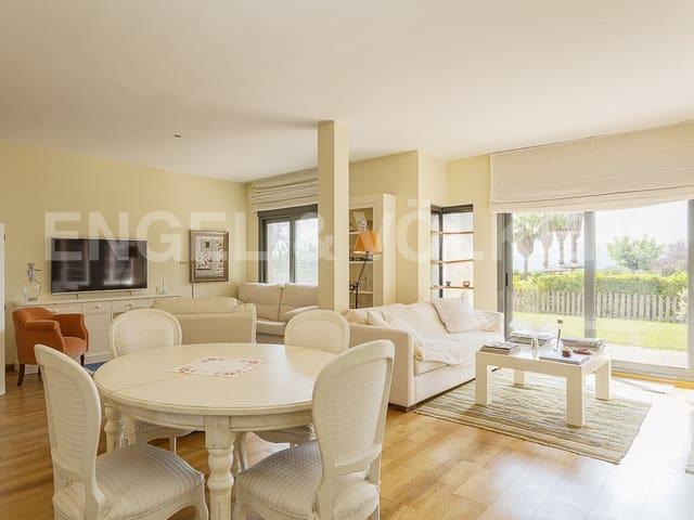 2 soverom Rekkehus til salgs i Sant Esteve Sesrovires med svømmebasseng garasje - € 350 000 (Ref: 5560329)