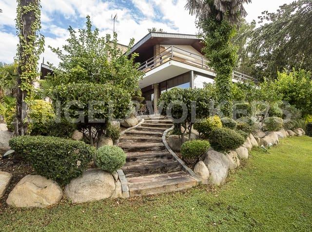4 Zimmer Villa zu verkaufen in Castellar del Valles mit Garage - 450.000 € (Ref: 5683999)