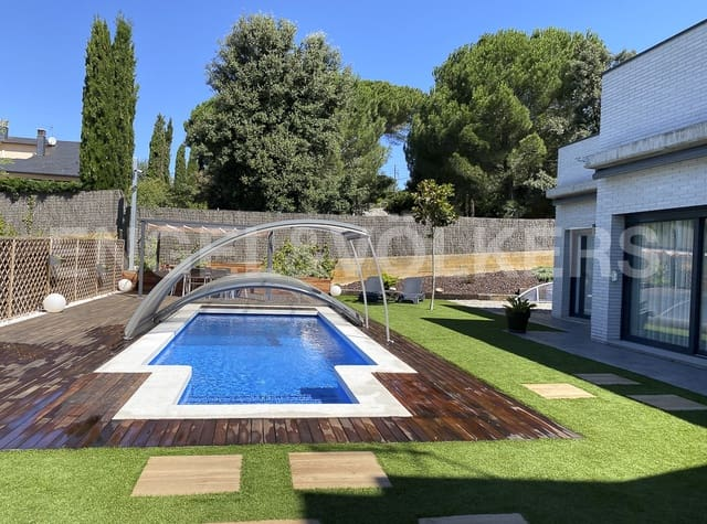 5 sypialnia Willa na sprzedaż w Sant Antoni de Vilamajor z basenem - 850 000 € (Ref: 5684043)