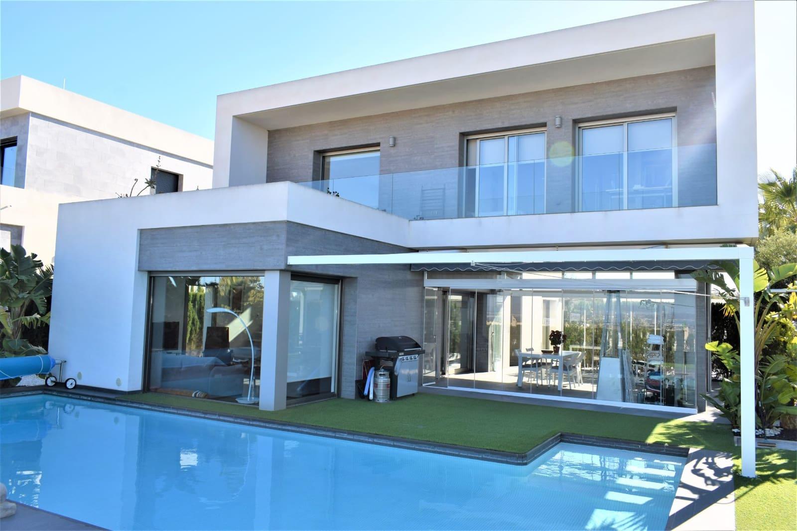 Chalet de 3 habitaciones en Benijófar en venta con piscina - 449.000 € (Ref: 5036470)