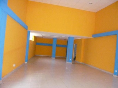 Commercial for rent in Laredo - € 600 (Ref: 3765342)