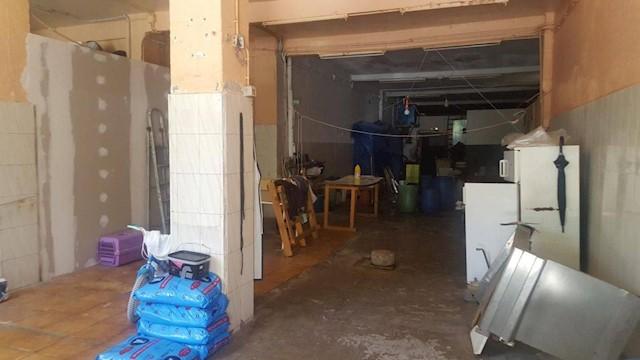 Kommersiell til salgs i Laredo - € 360 000 (Ref: 3765361)