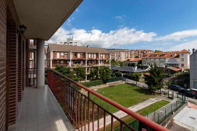 Apartamento de 3 habitaciones en Colindres en venta con garaje - 135.000 € (Ref: 5353143)