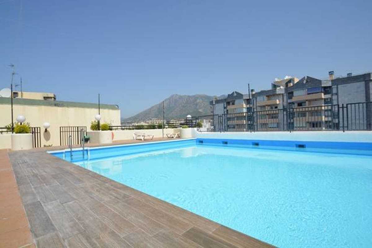 3 bedroom Apartment for sale in Marbella with pool - € 299,500 (Ref: 4748911)