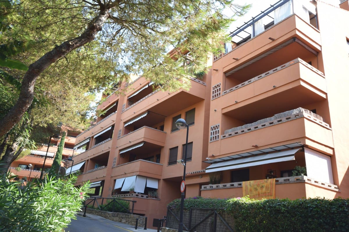 3 bedroom Apartment for sale in Marbella with pool garage - € 435,000 (Ref: 4748991)