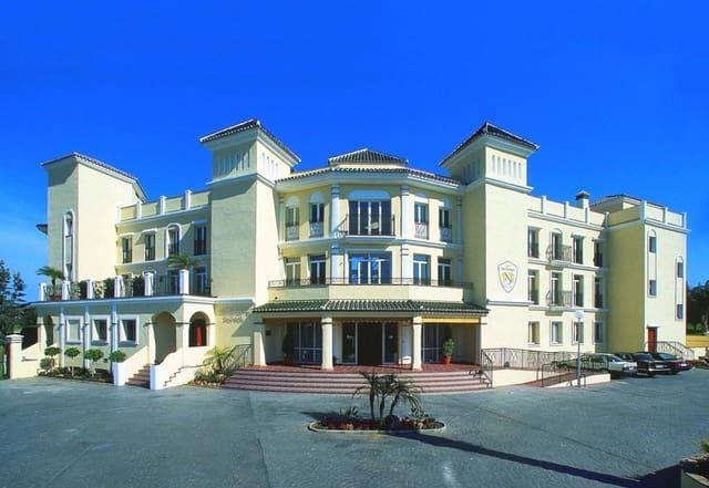 24 sovrum Kommersiell till salu i Mijas Golf med pool garage - 3 300 000 € (Ref: 5335079)