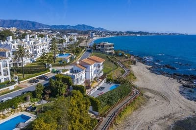 7 bedroom Commercial for sale in La Cala de Mijas with pool - € 2,290,000 (Ref: 5335181)