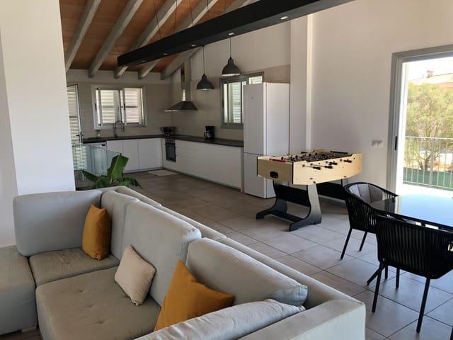 4 slaapkamer Flat te huur in L'Aranjassa / S'Aranjassa - € 1.700 (Ref: 5587744)
